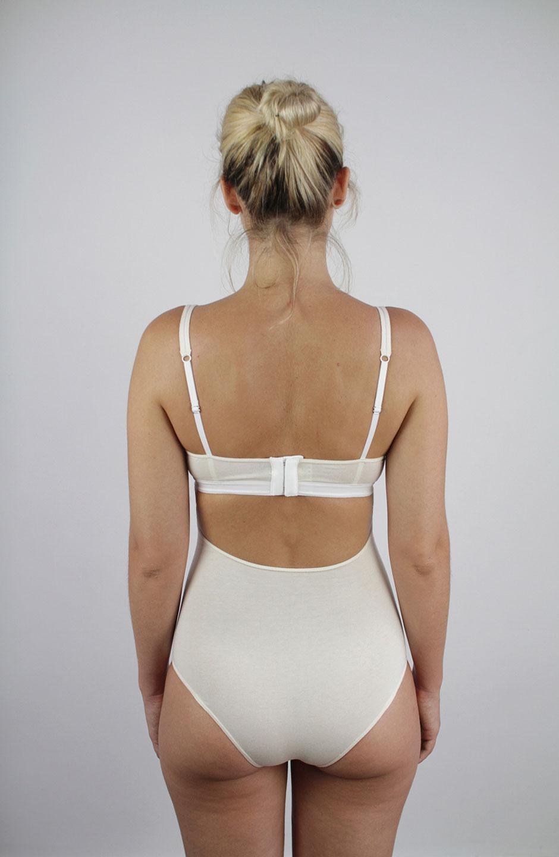 talk under light (Mia) organic cotton bodysuit