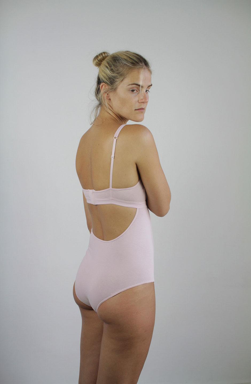 bodie Mia de algodón orgánico rosa talk under light